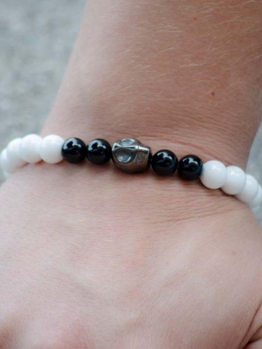 Black White Onyx Gemstone Hematite Skull Stretch Bracelet